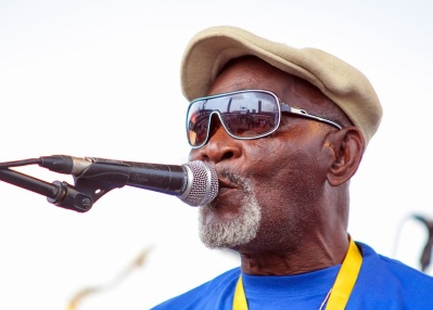 Fatai Rolling Dollar performing in 2011